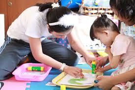 """เรียนภาษาไทย-ติวO-NETสังคม : ตามไปดูการศึกษานอกหลักสูตร : จับตามองครูในศตวรรษที่ 21 """"ครูหัวใจสะเต็ม"""""""