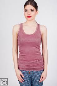 Женская брендовая майка с люрексом бордового цвета. В ...