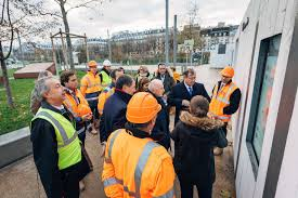 Hublo: <b>new digital display</b> solutions at construction sites - Bouygues ...
