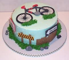 Simple and pretty <b>bicycle</b> birthday cake | <b>Bicycle Party</b> | <b>Bike</b> cakes ...