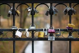 Resultado de imagem para portão fechado para o coração