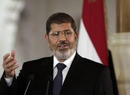 محللون سياسيون: قرارات مرسى مذهلة