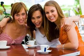 عزيزتى حواء هل انت الصديقه المفضله لصديقاتك؟ اختبار يكشف حقيقتك