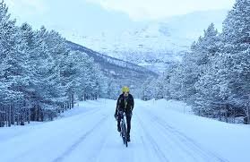 7 reasons why you should <b>go cycling</b> over winter