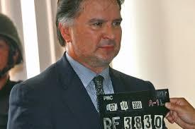... La histórica decisión fue anunciada por Colom en una conferencia de prensa; Edgar Estrada Morales y Víctor Estrada Paredes también serán extraditados ... - 1321389498_0
