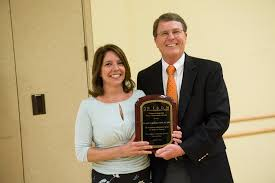 wisdm leadership conference  wisdm professional achievement award winner michelle mcgregor director of the vcu school of dentistry s dental