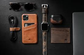 Premium Apple Watch Bands | Leather iPhone <b>Cases</b> | Bullstrap®