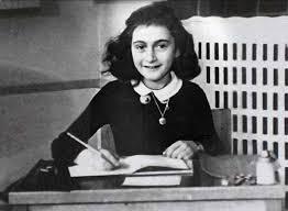 'Anne Frank: A <b>Private Photo Album</b>' Exhibition Features Virtual ...