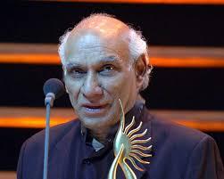 Veteran Hindi filmmaker Yash Chopra, with a career spanning over five decades, passed away at Lilavati hospital in Mumbai on Sunday. - yash-chopra
