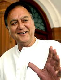 Sunil Dutt , Bollywood Actor Indian movie actor Sunil Dutt was born on June 6, 1929 in the Jhelum district of present day Pakistan. - Sunil-Dutt_9628