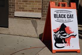 photo essay black cat alley draws huge crowds the milwaukee 091716 blackcat openingday 042