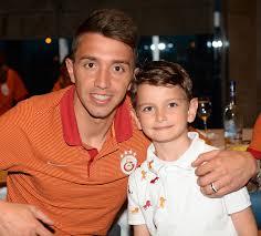 Minik Doruk Galatasaray kampını ziyaret etti