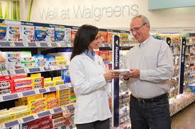 walgreens pharmacy technician salaries glassdoor walgreens photo of a walgreens pharmacist providing extraordinary customer care