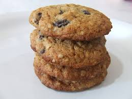 April 30th is National Oatmeal Cookie Day! | Foodimentary ...