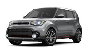 Kia Soul Reviews - Kia Soul Price, Photos, and Specs - Car and Driver