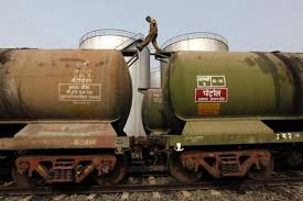 Global crude oil price crash  Who gains the most in India News   com