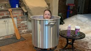 Shreveport mom uses crawfish pot to bathe <b>kids</b> during La. <b>winter</b> ...