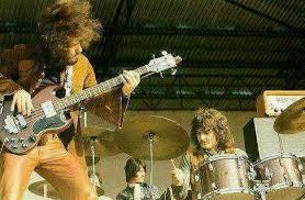 Max Clarke je bil kitarist pri znanih ansamblih: Colosseum, Natural Gas, in Uriah Heep