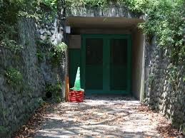 「横浜市こどもの国 防空壕」の画像検索結果