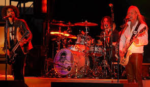 <b>Alice in Chains</b> - Wikipedia