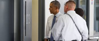 what president obama saw when he ed a federal prison abc news photo president barack obama looks inside a cell alongside bureau of prisons director charles samuels