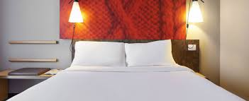 Стандартный двухместный номер с <b>двуспальной кроватью</b>