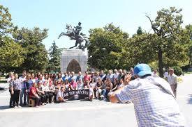 Atatürk Anıtı'na turist ilgisi