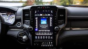 So, about that massive <b>12</b>-<b>inch screen</b> on the 2019 RAM 1500 ...