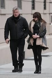 Как <b>Alec</b> Baldwin носит Черная куртка-пуховик, Черные ...