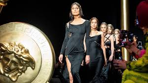 Versace <b>Women's</b> Fall-Winter <b>2019</b> | <b>Fashion</b> Show - YouTube