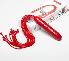 Красная многохвостая <b>плеть</b> с рукоятью <b>фаллосом</b> 50 см.