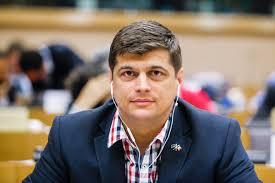 un-roman-candideaza-pentru-functia-de-presedinte-al-parlamentului-european-