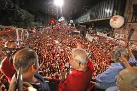 Resultado de imagem para foto de manifestação CONTRA A REFORMA DA PREV