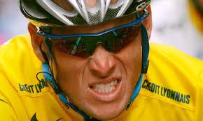 Dlaczego? Ponieważ okazało się, że przez cały czas swojej kariery sportowej jeździł na niedozwolonym dopingu. Lance Armstrong rozpoczął swoją wielką ... - Lance-Armstrong-008