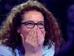 TVAktuel ÖZEL-Ekranların en fazla izlenen bilgi yarışması Kim Milyoner Olmak İster'in Salı akşamı yayınlanan bölümüne Zeynep Bayraktar damgasını vurdu. - E6E_zeynep-bayraktar-3333
