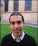 Victor Campbell, estudiante de humanidades en Oxford. Victor estudia humanidades en Oxford. - _38355237_021017chavez150vic