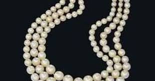 <b>Natural Pearl Necklace</b> Sells For $1.6 Million