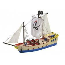 <b>Собранная деревянная модель</b> корабля Artesania Latina PIRATE ...