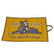 <b>Лежаки</b>, домики, спальные места для кошек и собак — купить на ...