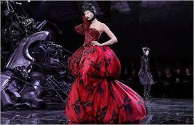 McQueen <b>Leaves Fashion</b> in Ruins - The <b>New</b> York Times