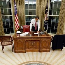 barack obama behind resolute desk in the oval office public domain barak obama oval office golds