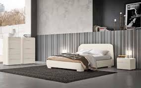Camera Da Letto Grigio Bianco : Due camere da letto in bianco e nero napol arredamenti