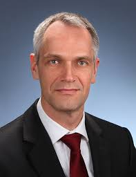 Dr. <b>Ulf Reinhardt</b>. Der Temperierspezialist LAUDA stellt sich mit einer neuen <b>...</b> - Dr_Ulf_Reinhardt_998634