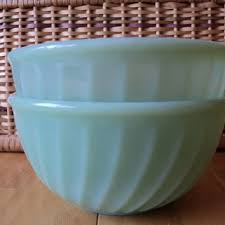 king kitchen serving fire king jadeite oven ware bowls swirled green glass mixing or servin