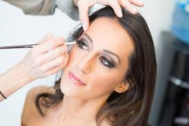hiring a good makeup artist for your wedding day is one of the biggest favours you