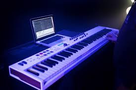 NAMM 2020: <b>Arturia KeyLab</b> Essential 88 обещает <b>клавиатуру</b> с ...