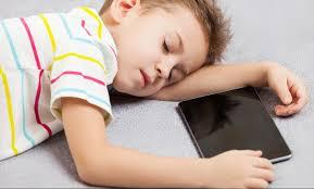 تعلق الأطفال بالآيباد تأثیر الآيباد images?q=tbn:ANd9GcQ