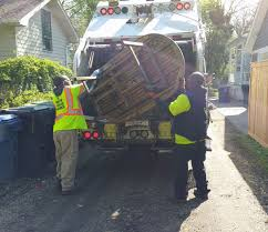 <b>Fall Bulk</b> Trash Pickup, Sept. 18 - Oct. 9 | News List | City of Evanston