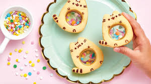 <b>Let's Bake</b>: A <b>Pusheen</b> Cookbook launches today! - YouTube