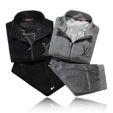 Мужские спортивные <b>костюмы Prada</b> - купить по выгодной цене с ...